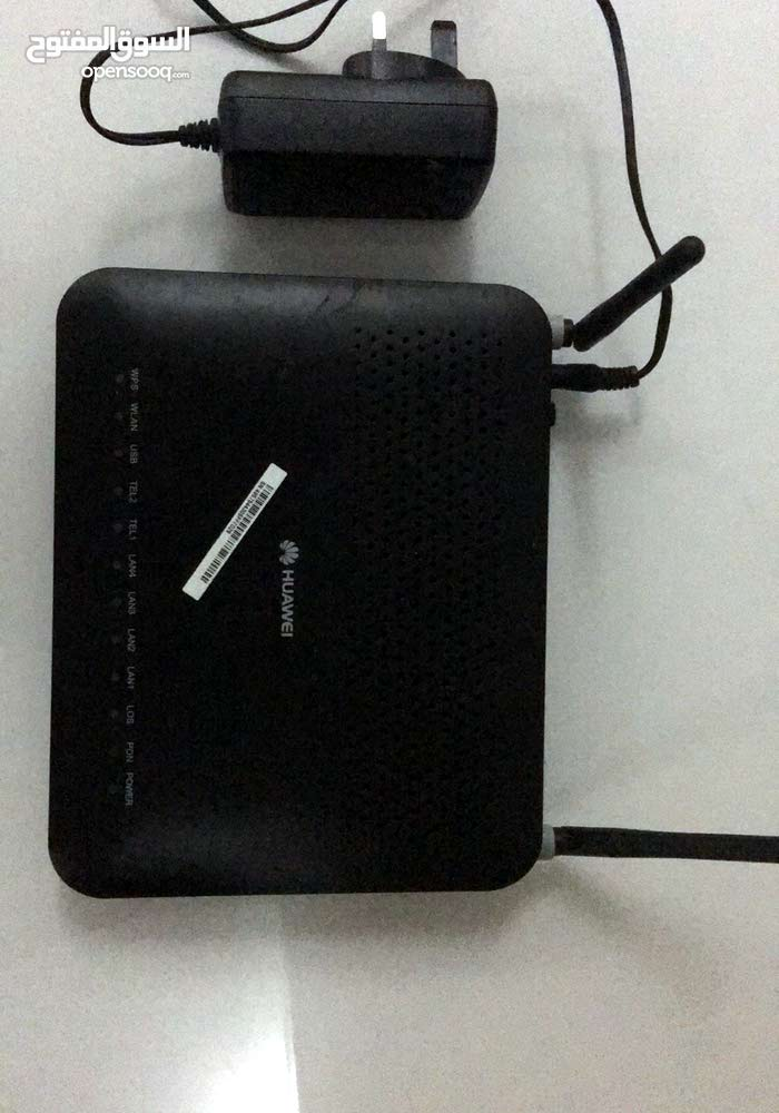 Huawei Router with fiber optic cable