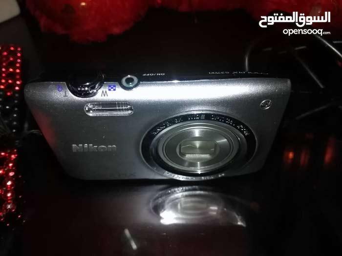 كاميرا نيكون بحالة ممتازة مع كامل الملحقات الأصلية,البيع لاعلي سعر