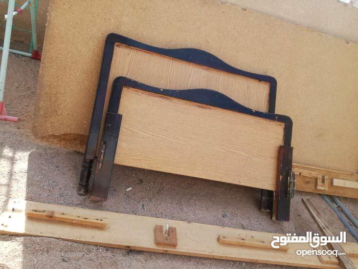 تختين خشب للبيع (سرير)