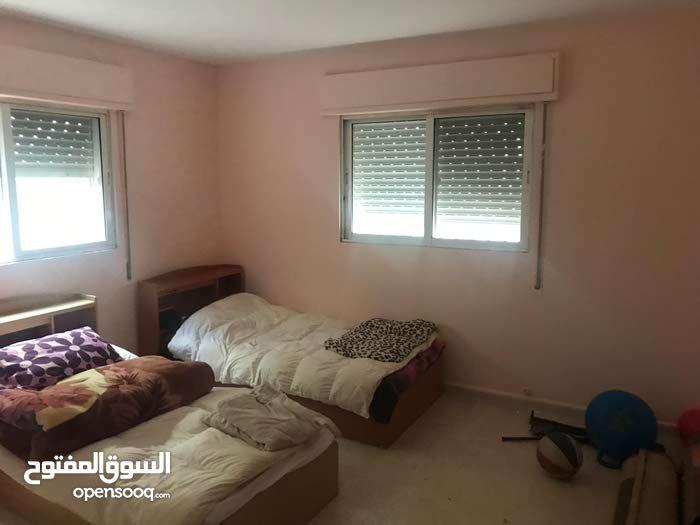 Al Hay Al Sharqy neighborhood Irbid city - 200 sqm apartment for sale