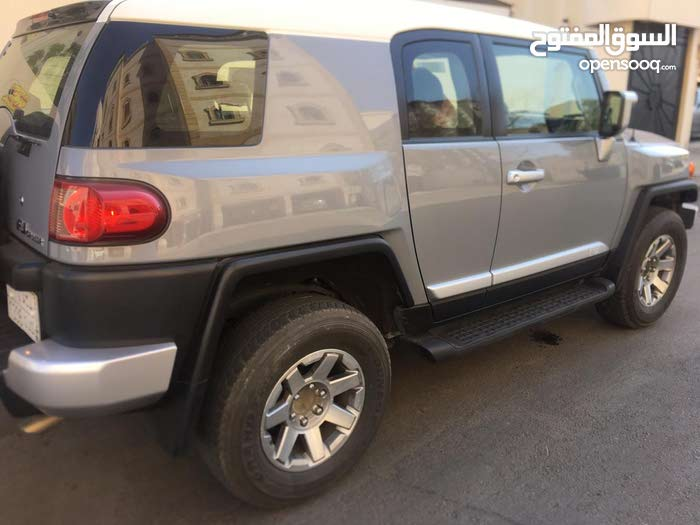 Grey Toyota FJ Cruiser 2017 for sale