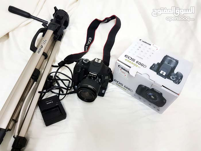 CANON  600D  WETH 18-55MM KIT LENS + 2 BATTRY + STAND + BATTRYGRIP