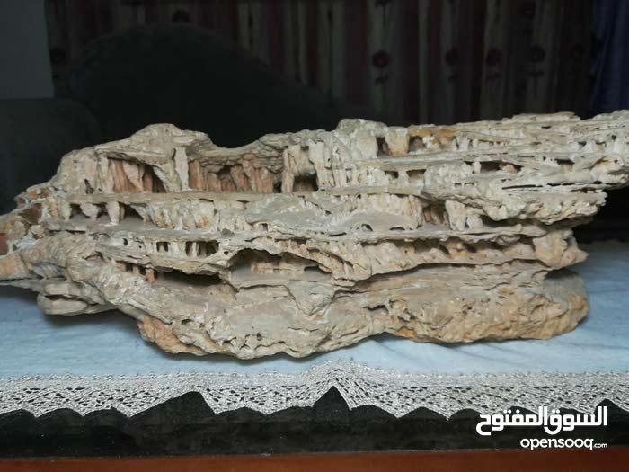 صخرة صنع الطبيعة على شكل دير مارمارون
