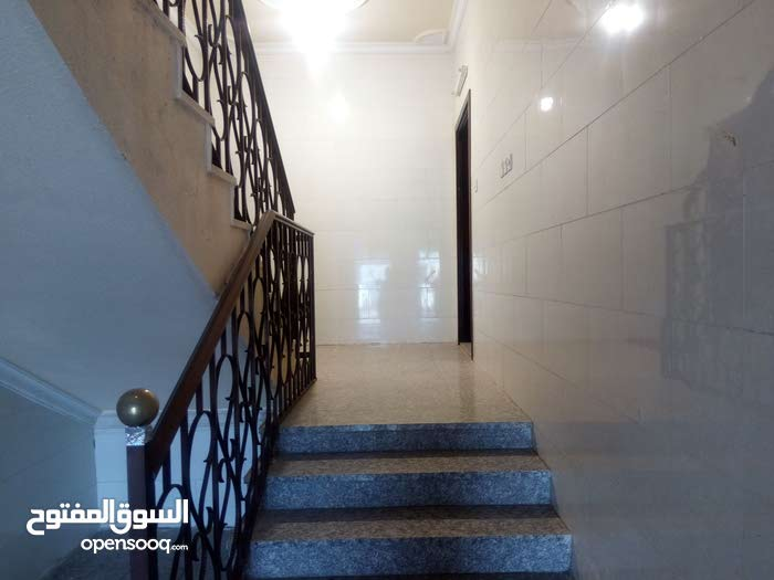Alaaziziyah apartment for rent with 4 rooms