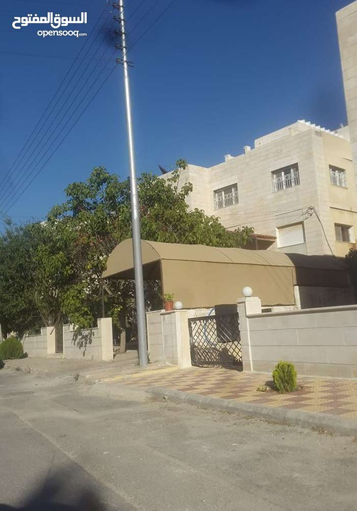Al Kamaliya property for sale with 5 rooms