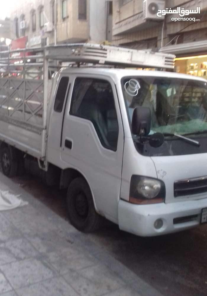 Manual  Kia 2002 for rent