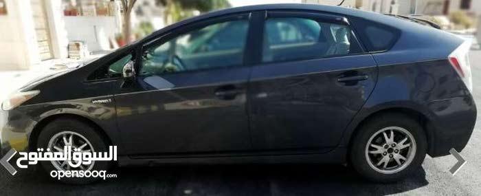 سيارة تويوتا بريوس حديثة ومكيفة لنقل الركاب داخل عمان وخارجها للمحافظات2012