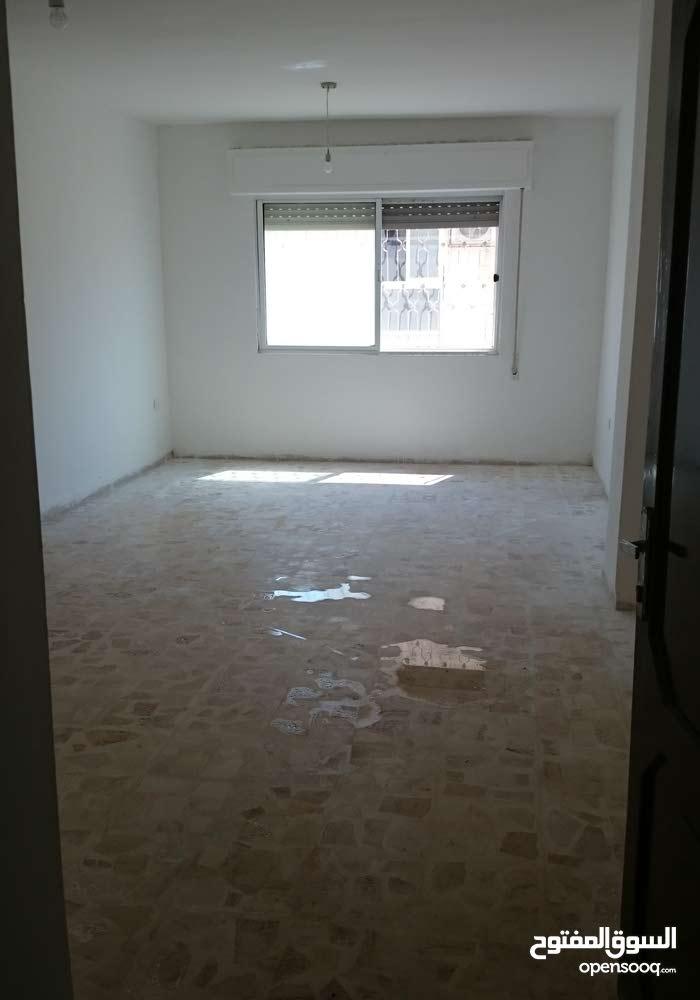 شقة 76م للبيع في ابونصير قابل للبدل