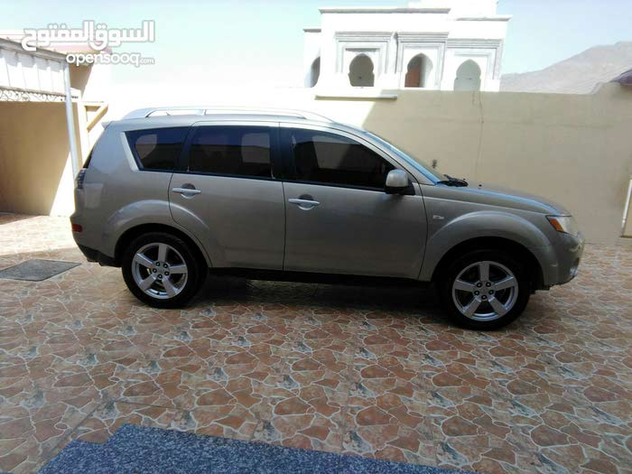 Beige Mitsubishi Outlander 2008 for sale