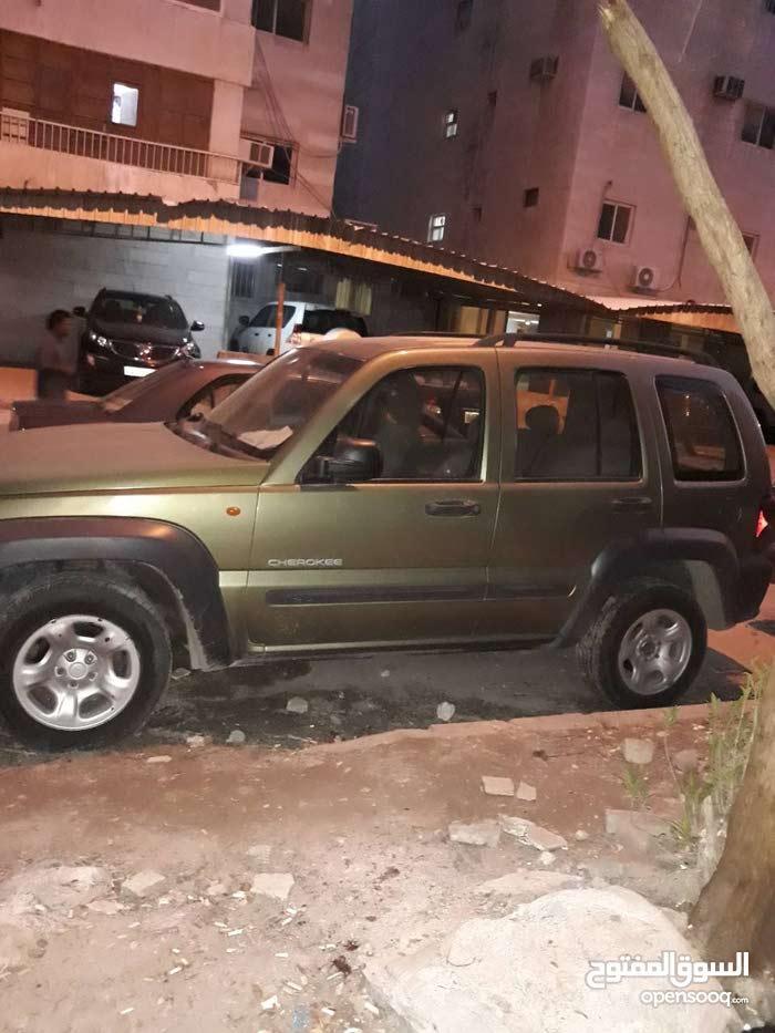+200,000 km Jeep Cherokee 2004 for sale