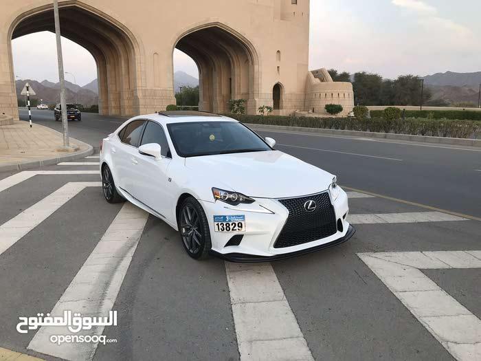 Lexus IS 2016 For sale - White color