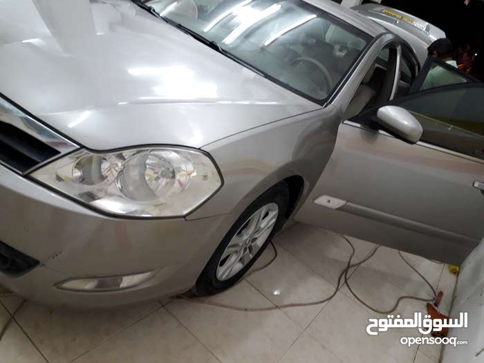 Used condition Renault Safran 2011 with +200,000 km mileage