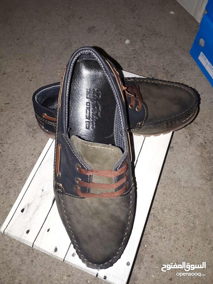 حذاء المقاسات 40 - 43 - 44