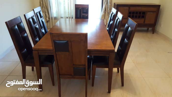 dining set available for sale in a special price