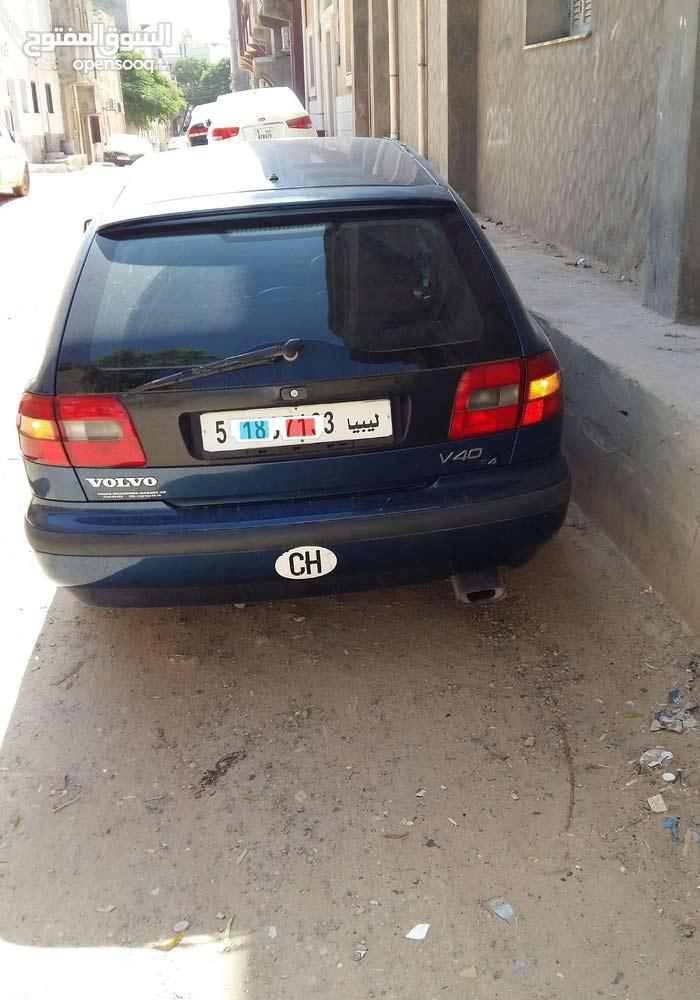 For sale Volvo V40 car in Tripoli