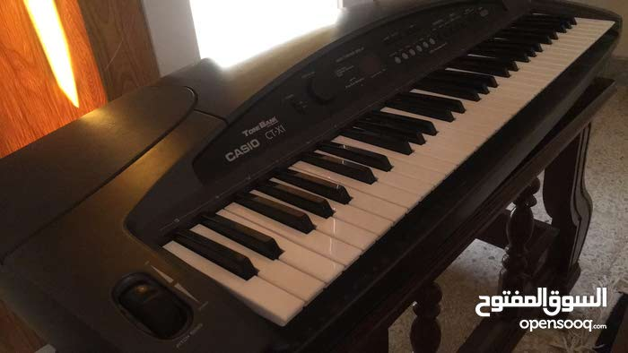 بيانو كهربائي
