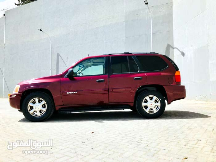 Maroon GMC Envoy 2004 for sale