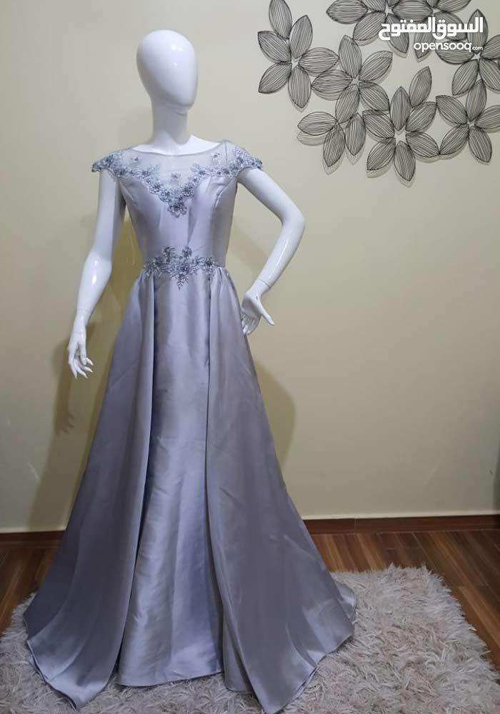 فستان سهرررة فخم لبسه واحده للبييييييع