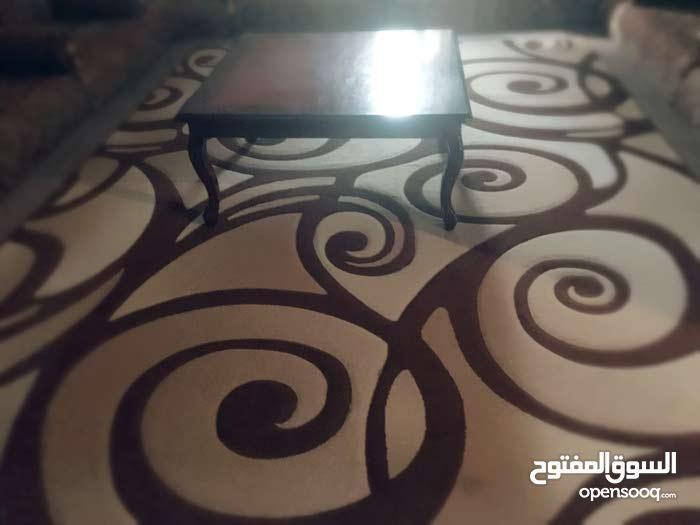 سجادة + طاولة+ ستارين