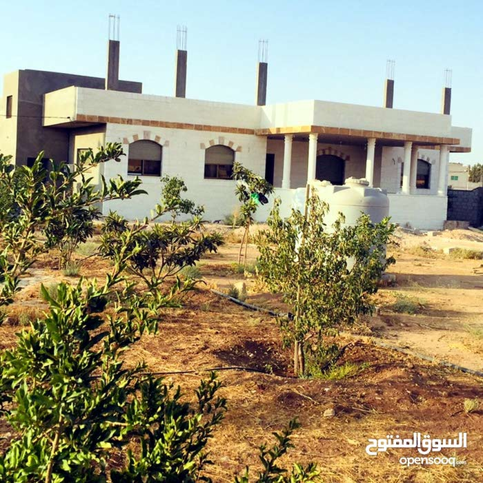 Al Mazzeh property for rent with More rooms