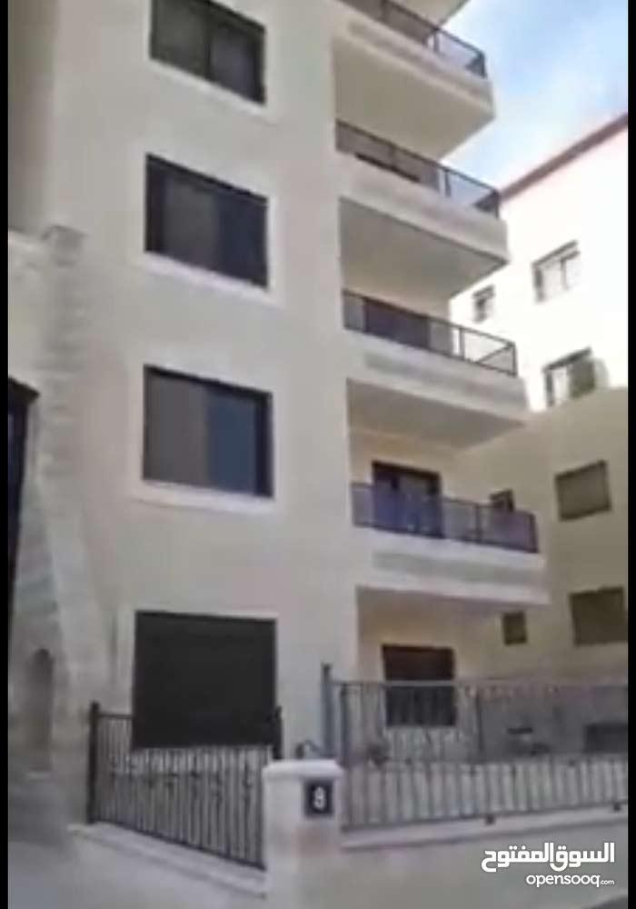 شقة ارضية 200 م للبيع في رام الله