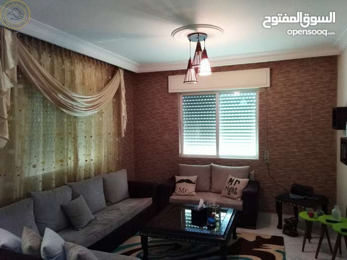 شقة مميزة للبيع في خلدا خلف كارفور طابق ثالث 105م تشطيب سوبر ديلوكس