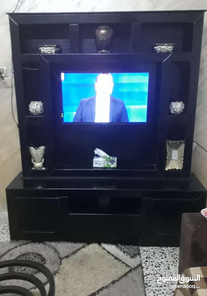 بوفيه LCD + طقم طربيزات للبيع