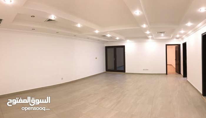 For rent in Aljabriya 4 bedrooms 1000 KD
