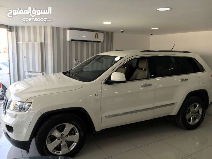 Jeep Cherokee 2012 (white)