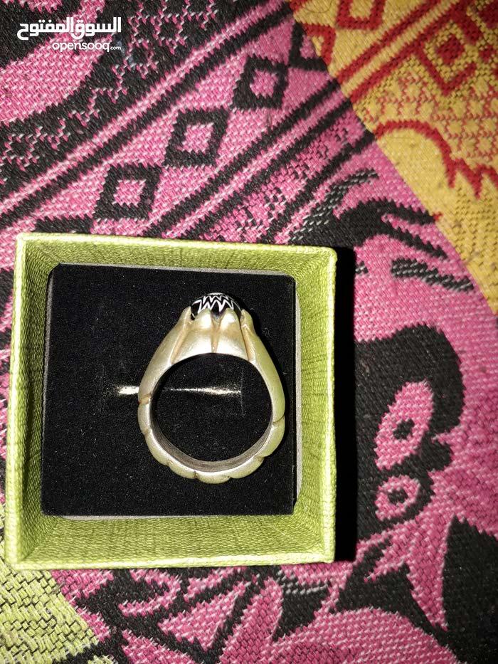خاتم نادر  جدا  للبيع