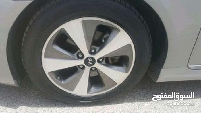 Automatic Hyundai Sonata 2012