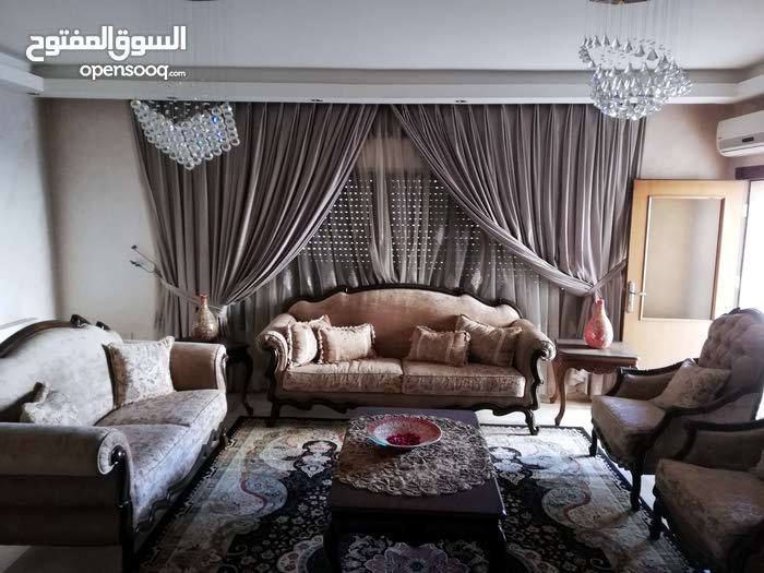 Furnitured apartment in excellent condition for rent