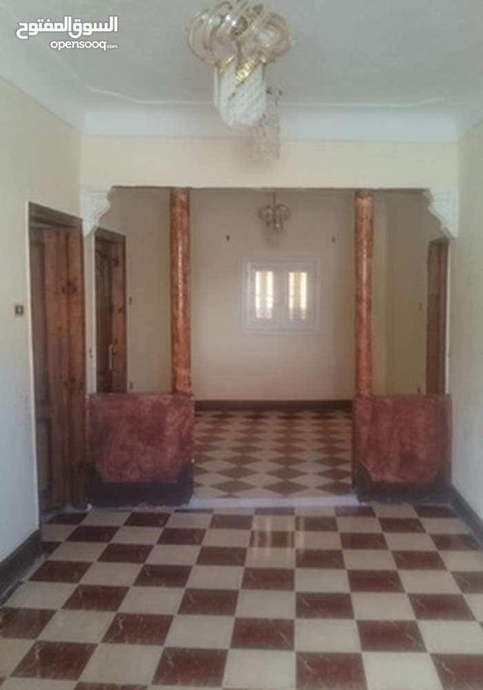 منزل بحديقة للبيع او البدل بشقة في الاسكندرية