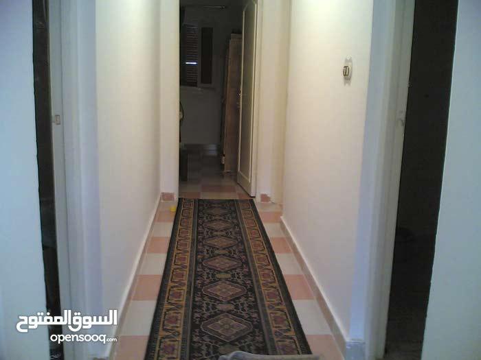 شقة بمطروح للايجار بقرية الاعلاميين