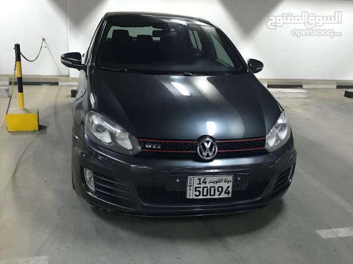 Volkswagen Golf car for sale 2011 in Hawally city