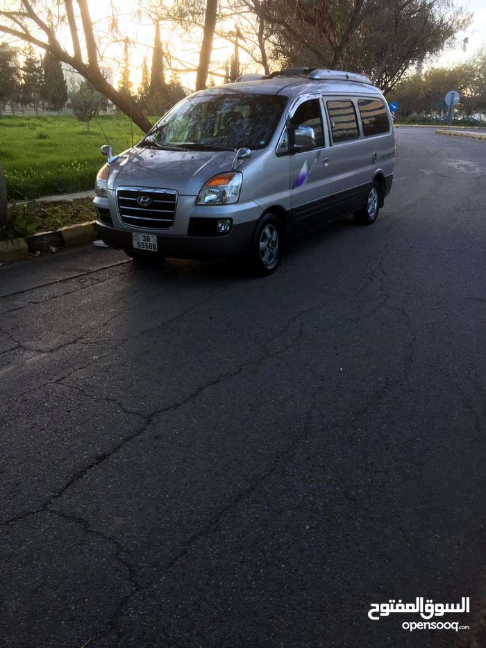 Available for sale! +200,000 km mileage Hyundai H-1 Starex 2006