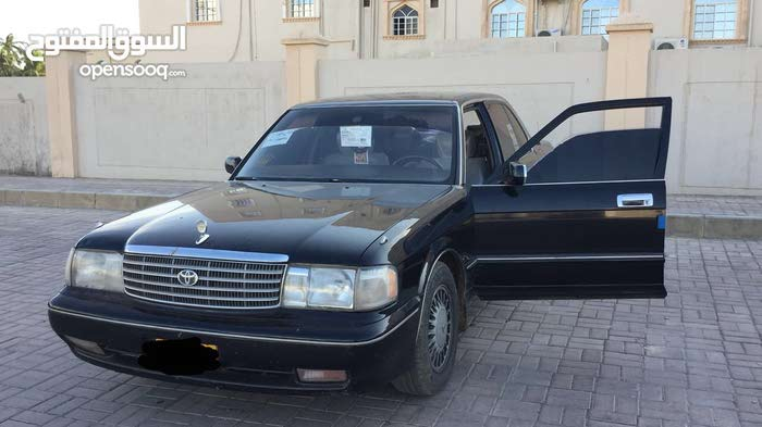 Used condition Toyota Crown 1996 with +200,000 km mileage