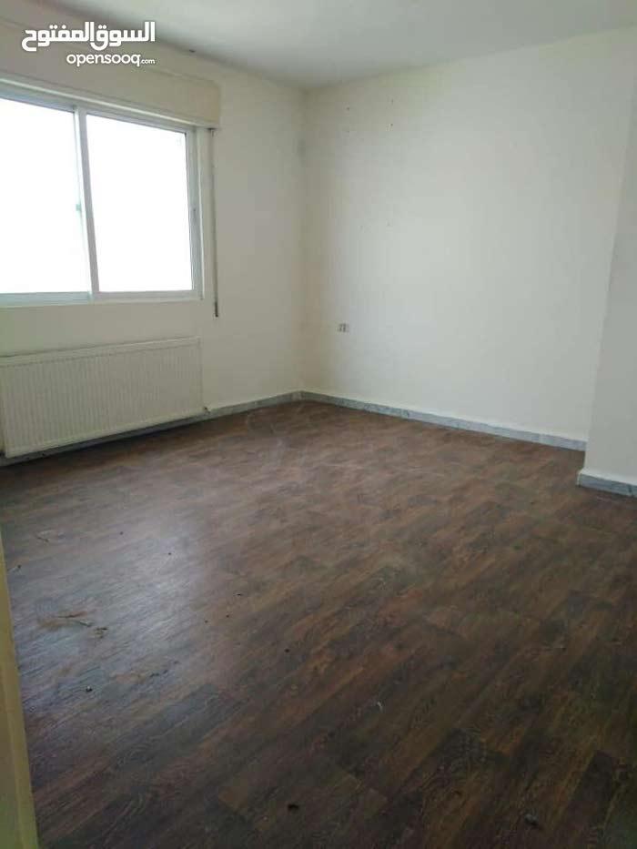 شقة 133م للبيع في ضاحية الرشيد