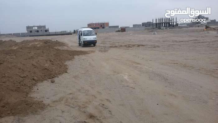 عرض بيع أرضيتين سكنيتين متجاورتين في منطقة بير فضل/عدن...تم تعديل السعر من 18 الى 15مليون للبقعتين