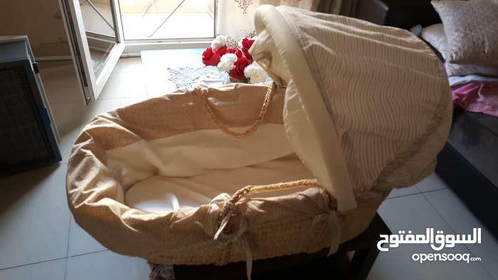 سرير اطفال من mamas and papas
