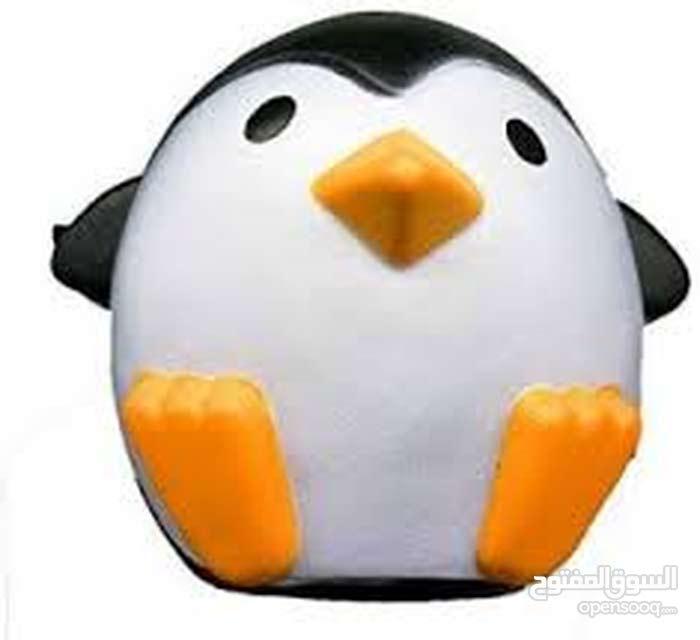 شخصيه البطريق الراقص للبيع او للايحار