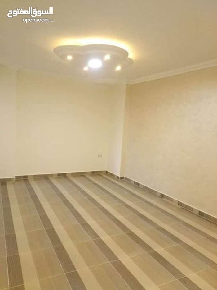 شقة للايجار قانون جديد بشارع وادى النيل الرئيسى بالمهندسين 165 م