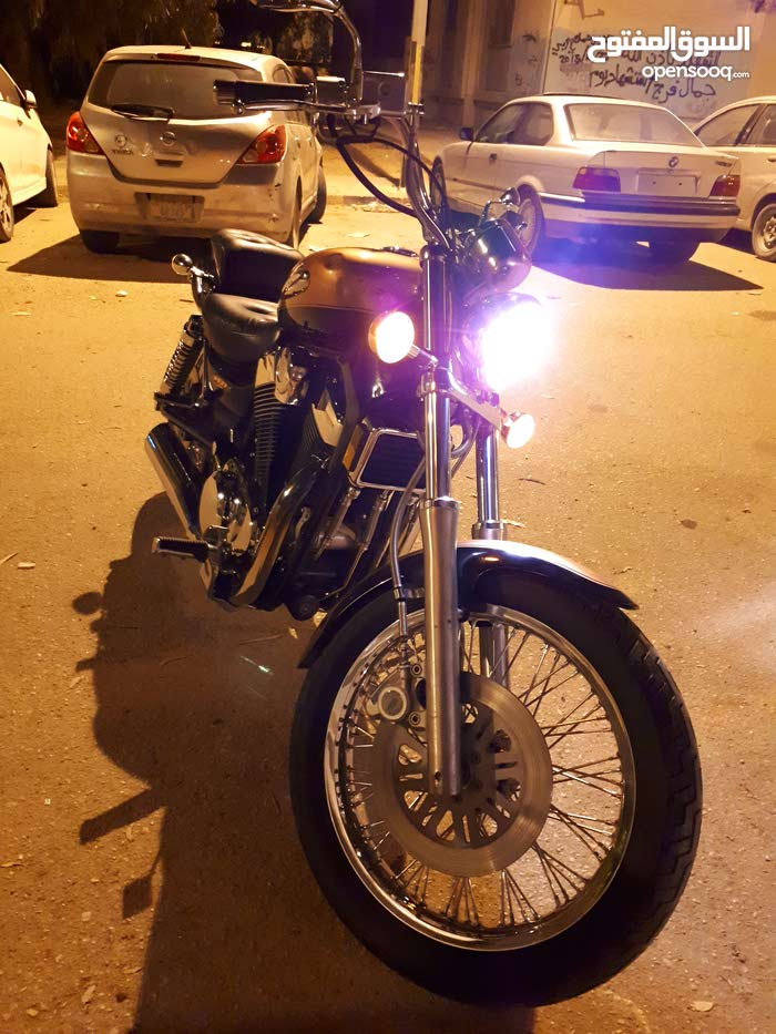 Benghazi - Suzuki motorbike made in 2000 for sale
