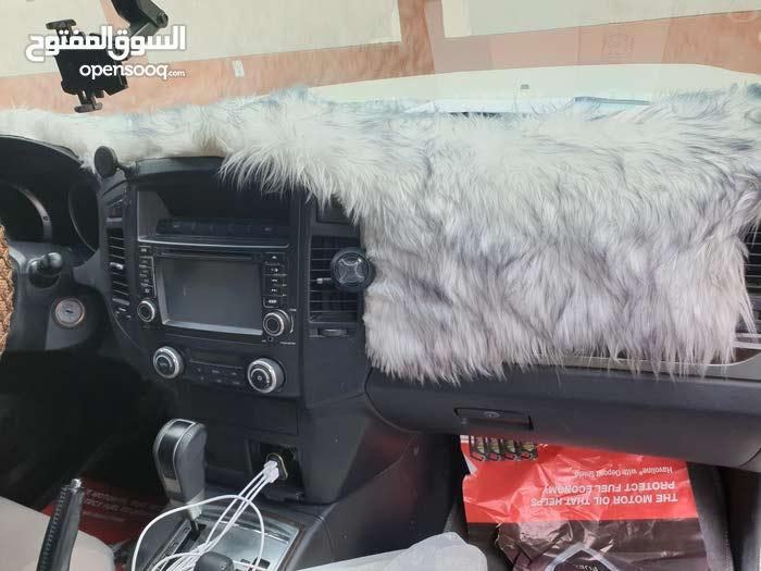 باجيرو 2012 نظيفة جدا للبيع. السعر 28 ألف نهائي