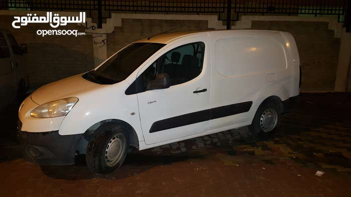 Manual White Peugeot 2013 for sale