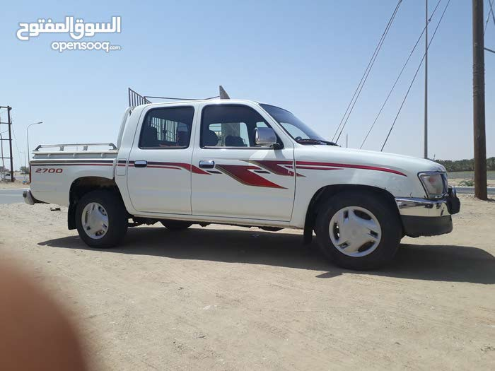 Used condition Toyota Hilux 2000 with 1 - 9,999 km mileage