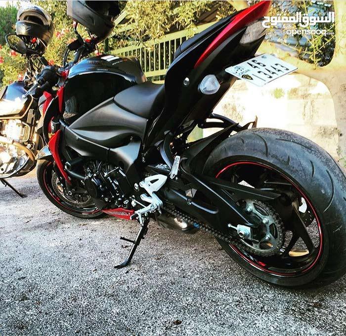 Used Suzuki motorbike made in 2016 for sale