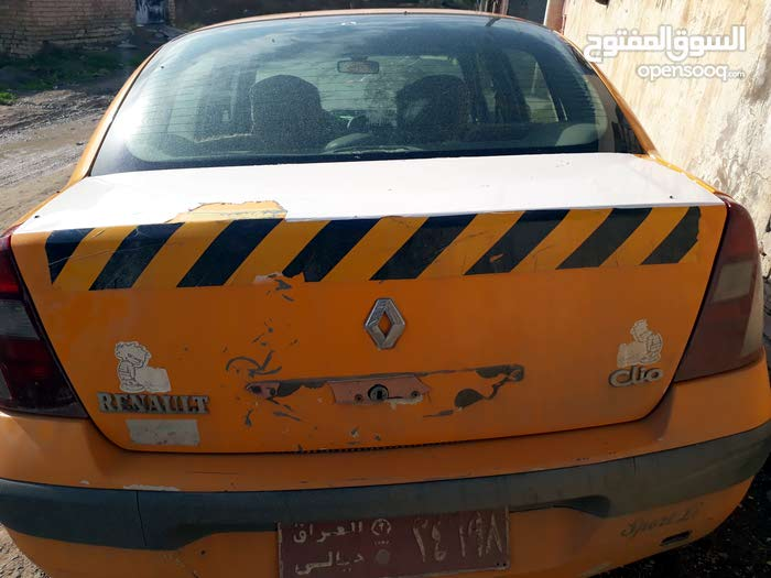 Automatic Yellow Renault 2006 for sale