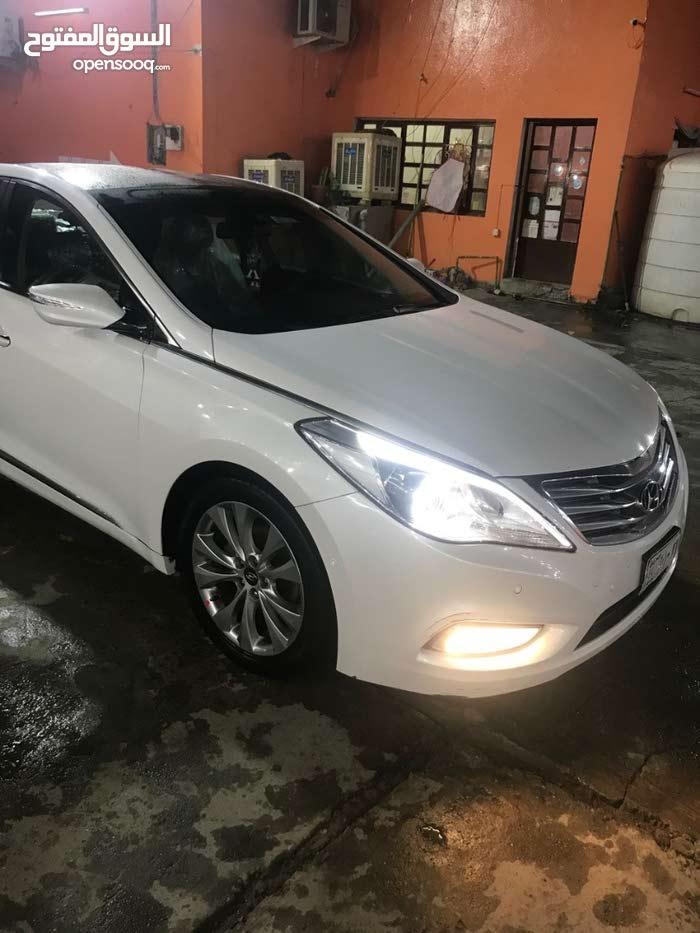 White Hyundai Azera 2012 for sale