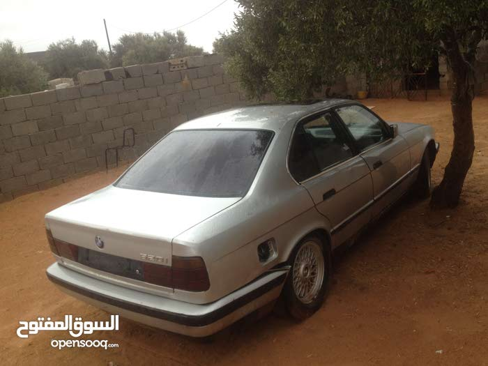 Available for sale! +200,000 km mileage BMW 520 2000